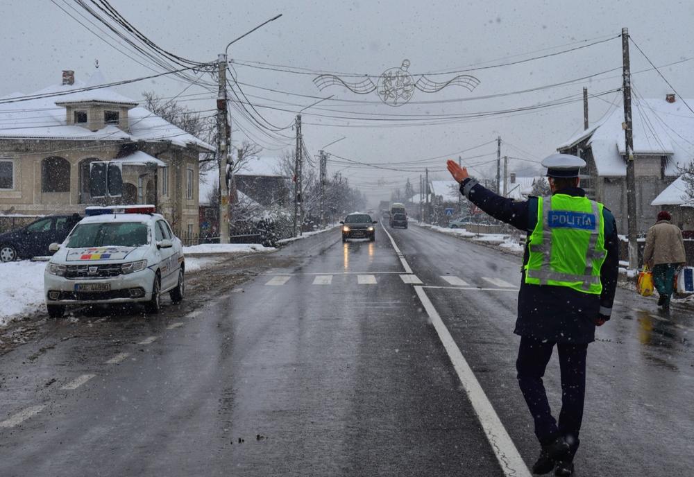Circa 60 de amenzi, aplicate de polițiști pentru nerespectarea msăurilor impuse în pandemie