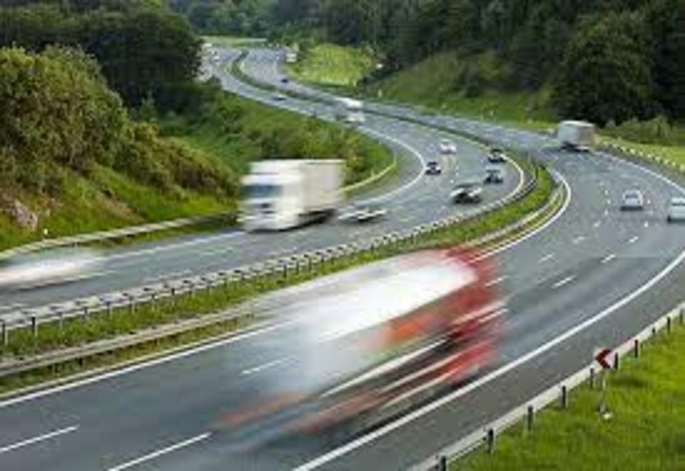 CNAIR: Restricţii de circulaţie cauzate de caniculă  la autovehiculele de peste 7,5 t, pe șoselele din întraga țară! Excepție fac 4 județe